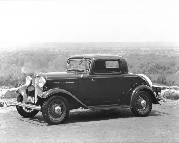 1932 DeLuxe Coupe Three-Window Configuration